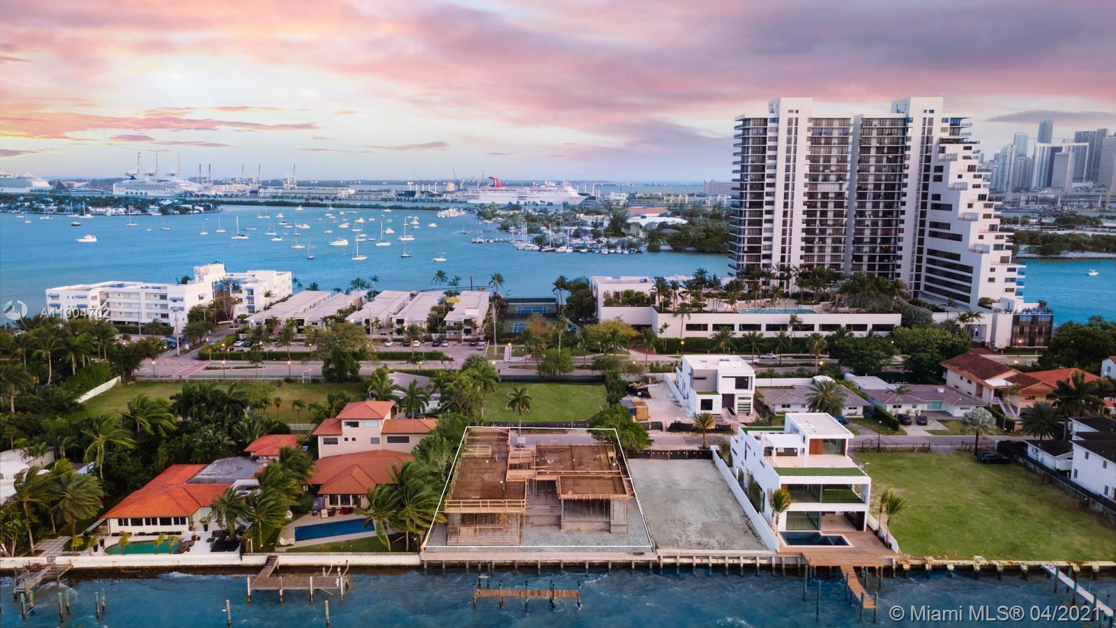 1061 N Venetian Dr, Miami FL 33139